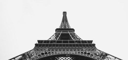 Schody metalowe na Wieżę Eiffla
